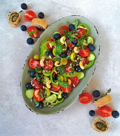 Herbstsalat_Pestoschnecke_Tomaten